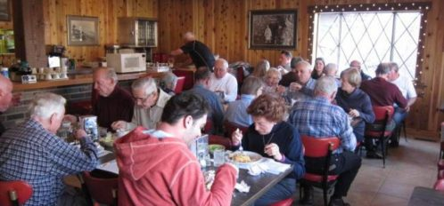 Senior Group dinner together